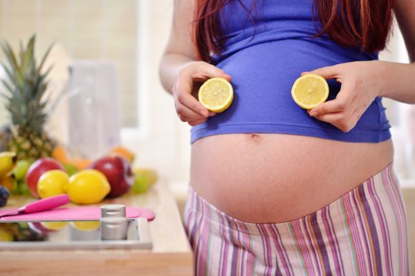 es-seguro-tomar-primperan-durante-el-embarazo-prospecto-limon-istock