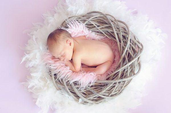 mejores-nombres-arabes-ninos-y-significado-bebe-nido