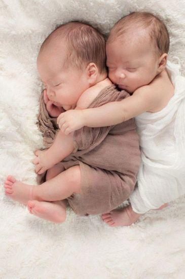 idas-de-fotos-creativas-para-recien-nacidos-gemelos-pinterest-frekilize