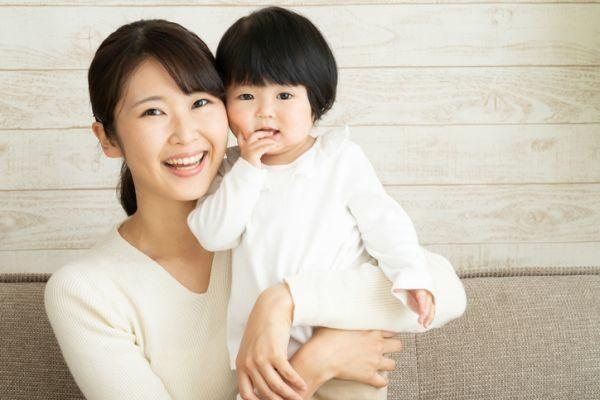 nombres-japoneses-para-bebe-nina-y-mama-istock