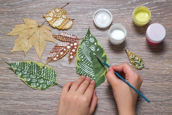 manualidades-para-el-dia-del-medio-ambiente-hojas-istock