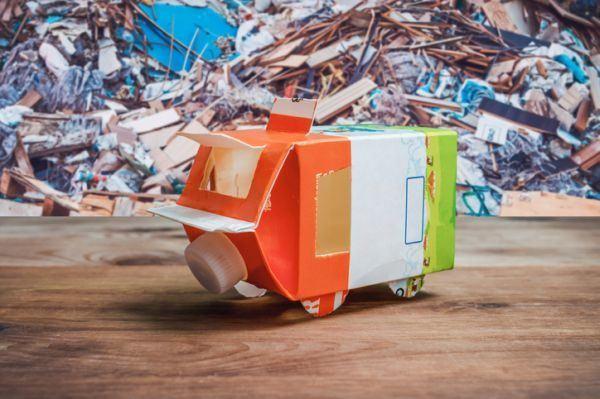 manualidades-para-el-dia-del-reciclaje-tetrabrik-istock
