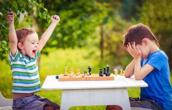 mejores-juegos-de-mesa-para-ninos-ajedrez-istock