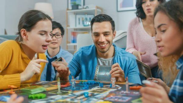 mejores-juegos-de-mesa-para-ninos-astronauta-istock