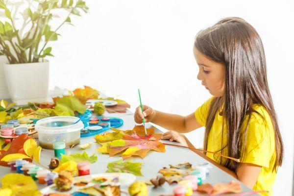 Manualidades para niños dia del árbol colorear hojas