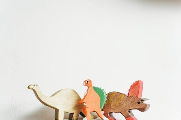 Dinosaurios de madera