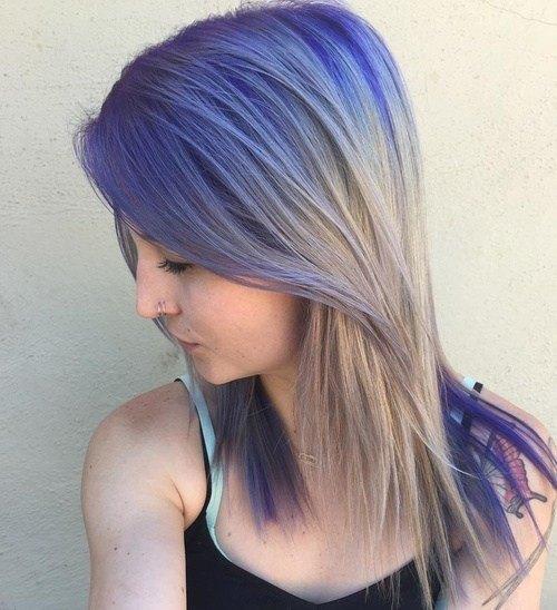 Color de pelo con estilo con la longitud de los hombros - Rubio ceniza y púrpura oscuro Ombre Hair