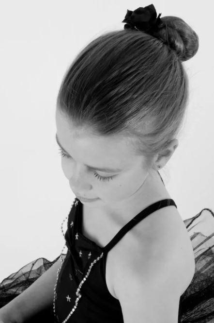 Peinados faciles colegio moño bailarina