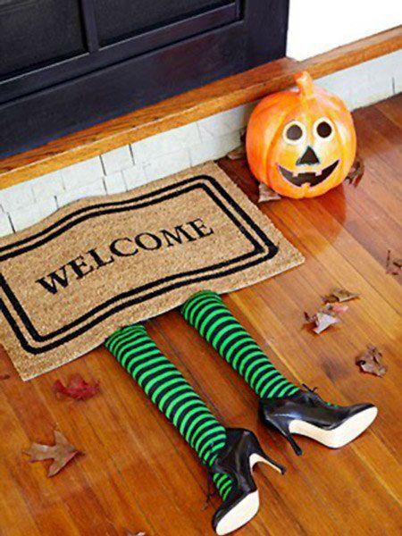 manualidades-halloween-ninos-decoracion-felpudo-bruja