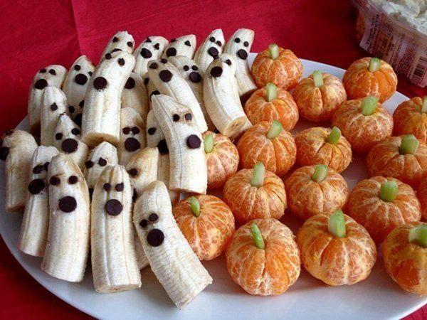 manualidades-halloween-para-ninos-de-4-anos-platanos-fantasmas-mandarinas-calabazas