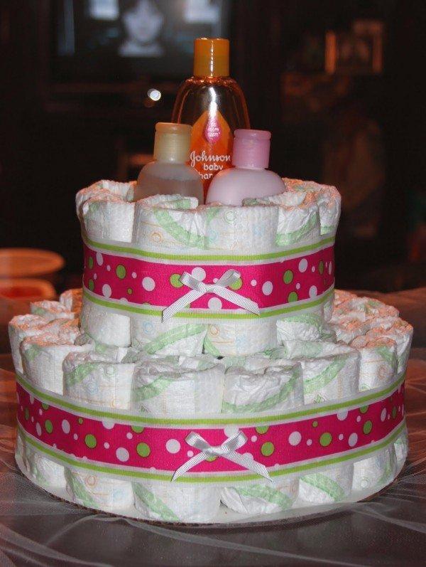 tartas-de-panales-la-nueva-tendencia-en-regalos-para-embarazadas-tarta-rosa-jabon