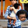 Padres famosos: Sandra Bullock y su hijo Louis