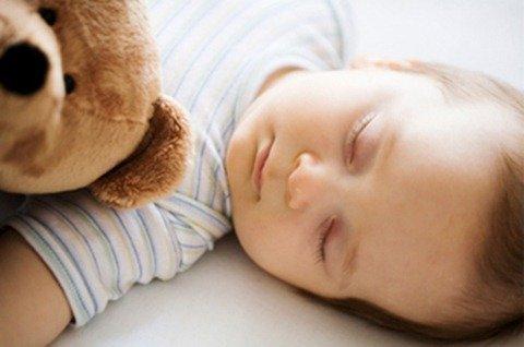 02-sleeping-baby