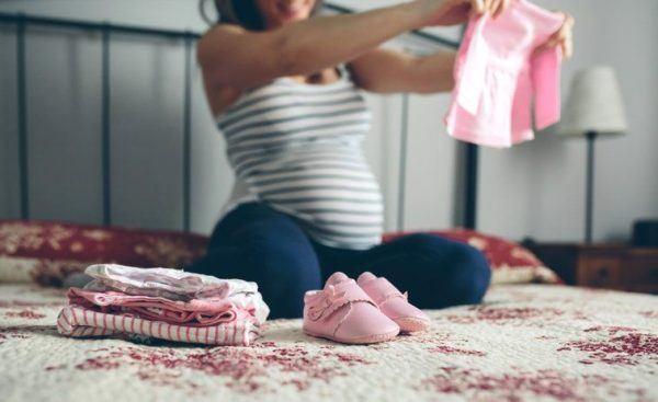Cronologia de los movimientos del bebe durante el embarazo mes cuatro cinco
