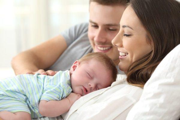 Cronologia de los movimientos del bebe durante el embarazo nacimiento
