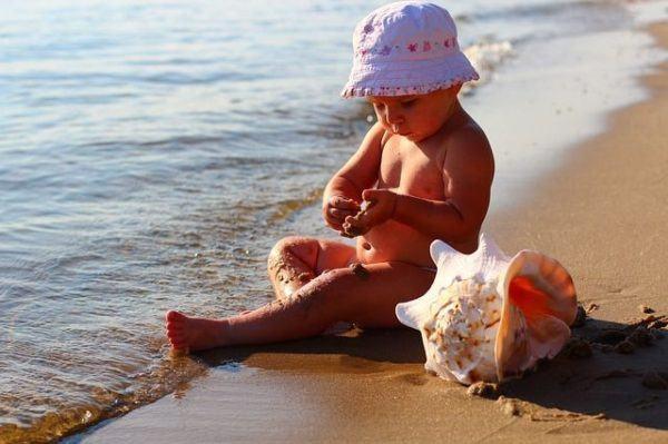 juegos-de-cuidar-bebes-bebe-playa