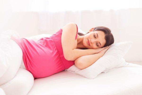 Sonar con aborto dormida feliz