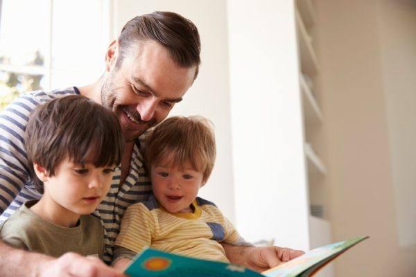 10 trucos para hacer que nuestros hijos se interesen por la lectura padre
