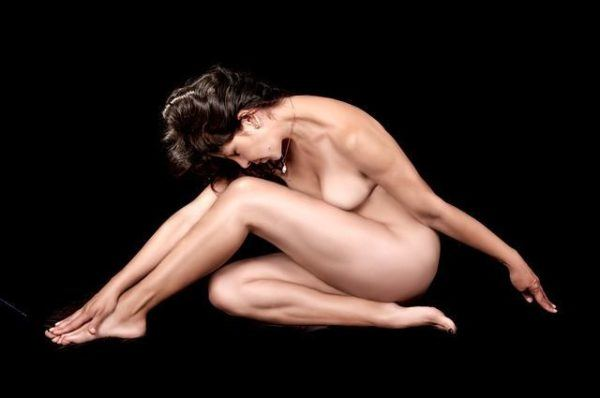amenorrea-que-es-mujer-desnuda