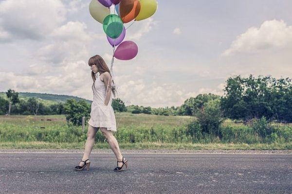 amenorrea-que-es-mujer-globos