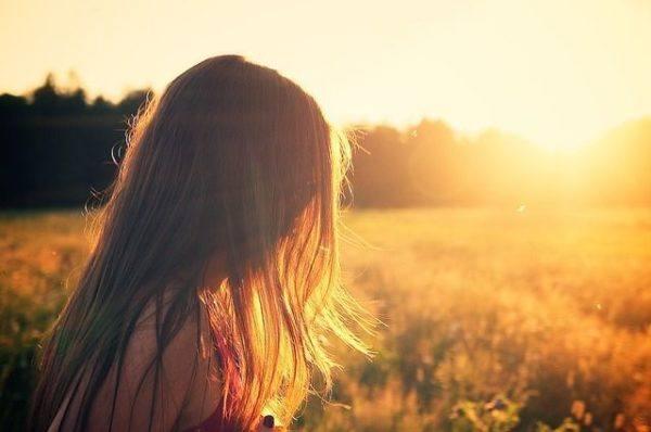 amenorrea-que-es-mujer-soleado