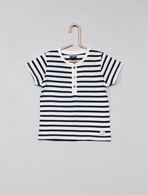 b7443893779 Las camisetas estampadas son también una buena opción y en especial para el  invierno. Kiabi las pondrá rebajadas a un precio de casi mitad de su precio.