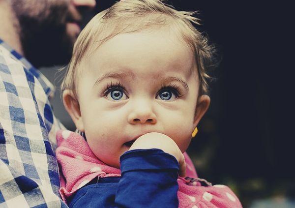 mejores-nombres-de-ninos-italianos-bebe-ojos-azules