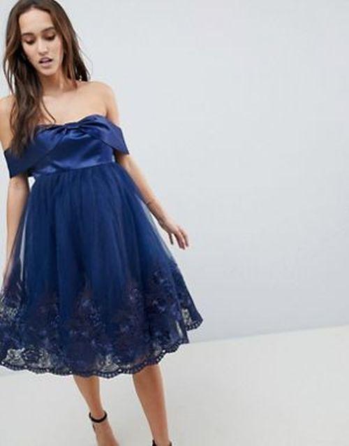 vestidos-para-embarazadas-invitadas-a-una-boda-escote-bardot-lazo-con-encaje-asos