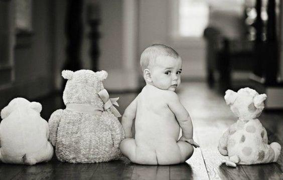 idas-de-fotos-creativas-para-recien-nacidos-nino-munecos-fila-pinterest-motherrezeptheforyou
