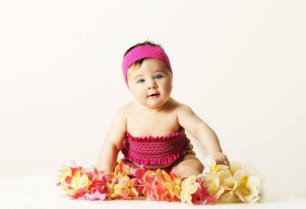 nombres-hawaianos-para-bebes-nina-flores-istock