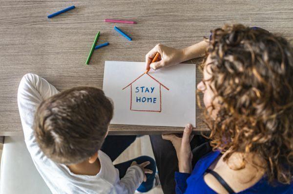 padres-separados-custodia-coronavirus-hijo-madre-dibujan-istock