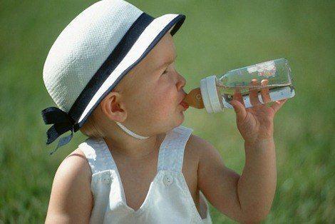 20aebeb15b355ab9_thirsty_baby