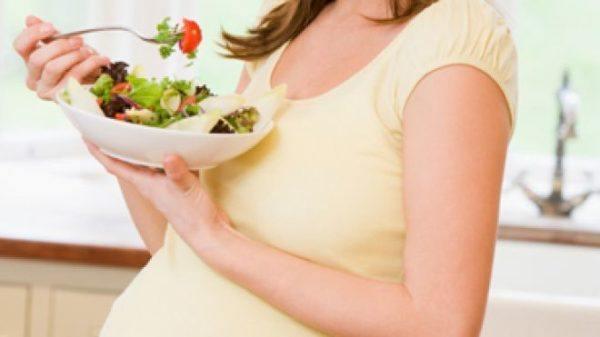 La-alimentación-correcta-de-la-embarazada