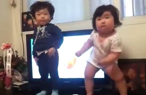 What-a-dance-by-a-chubby-Korean-baby