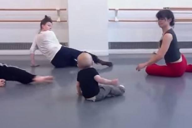bebe-se-convirtio-en-profesor-de-danza-moderna
