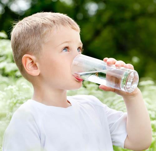 bronquitis-en-niños-sintomas-y-tratamiento-agua