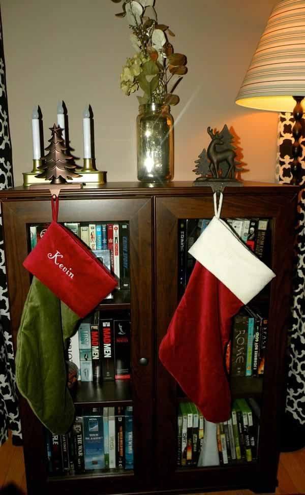 calcetines-de-navidad-en-el-mueble