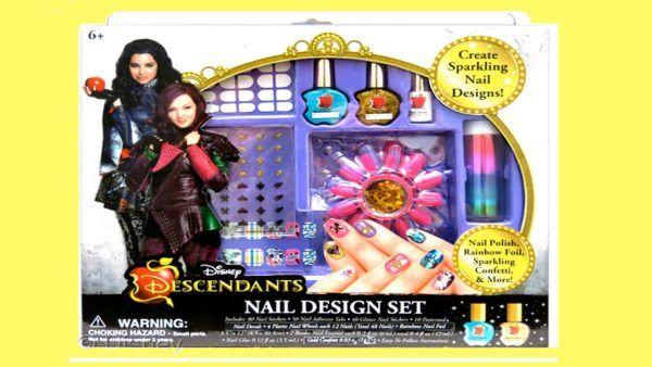 catalogo-de-juguetes-de-los-descendientes-navidad-Set-manicura