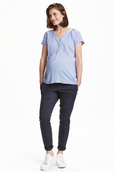 coleccion-hm-premama-otono-invierno-2017-pantalones-chinos