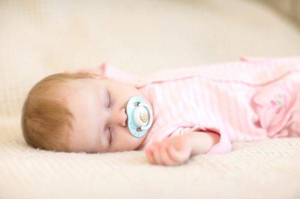 como-conseguir-dormir-a-un-bebe-remedios