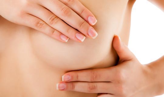 como-explorar-los-pechos-para-prevenir-el-cancer-de-mama