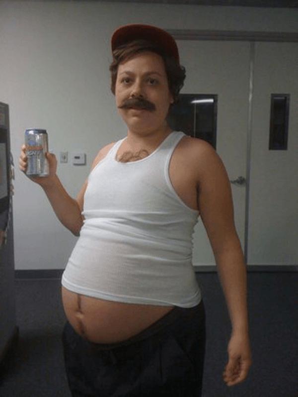 disfraces-originales-embarazadas-carnaval-2015-disfraz-hombre-barriga-cervecera