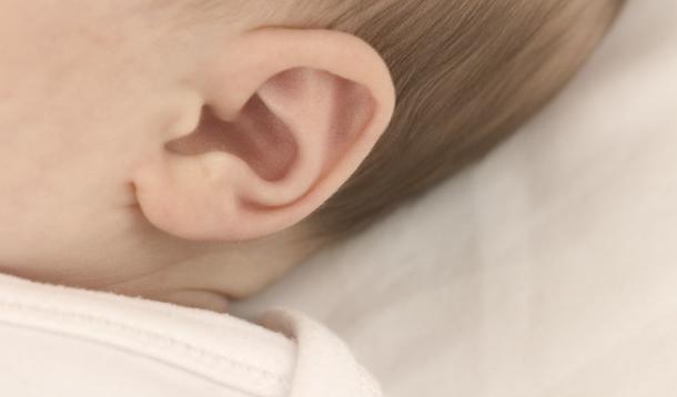 dolor-oidos-otitis-en-los-bebes