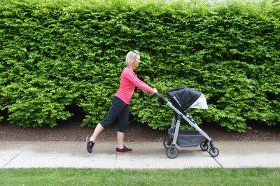 ejercicios-para-hacer-con-el-carrito-del-bebé-extensión-de-cadera