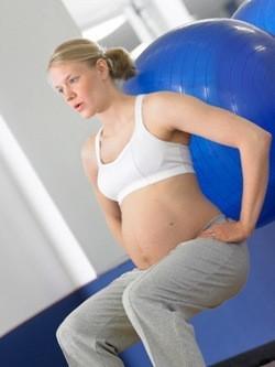 embarazada-haciendo-pilates