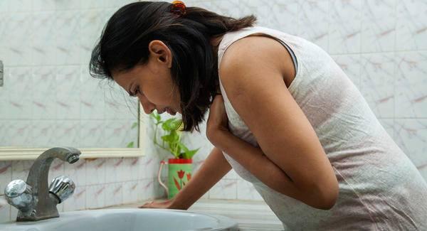 evitar-nauseas-en-el-embarazo-causas