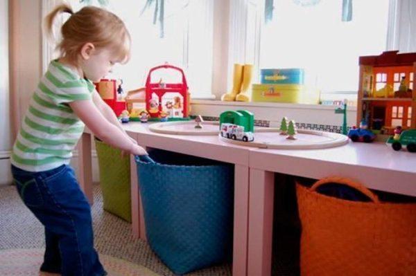 5 trucos perfectos para guardar y ordenar los juguetes de - Baules para guardar ropa ...