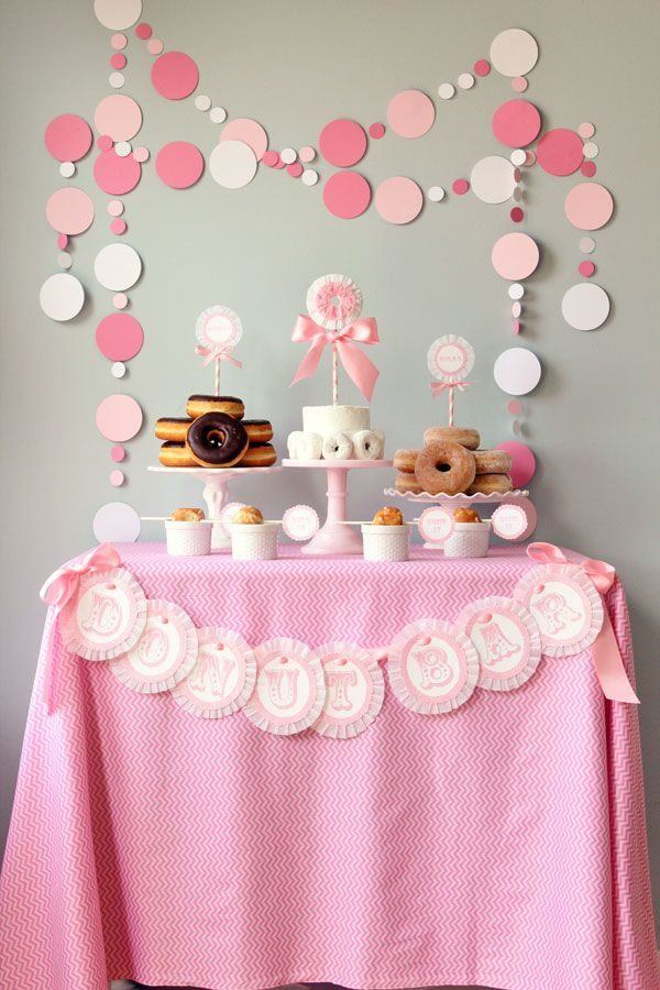 ideas-para-un-baby-shower-mesa-donuts