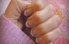 ¿Es seguro usar uñas acrílicas durante el embarazo?