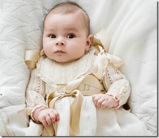 ee20462a4 1) Vestido bautizo en tonalidades beige y verde. Realizado con forro de  algodón y pollera en tull. Talles disponibles desde 3 a 24 meses.
